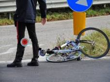 incidente ciclisti imagesGVGMS8P0